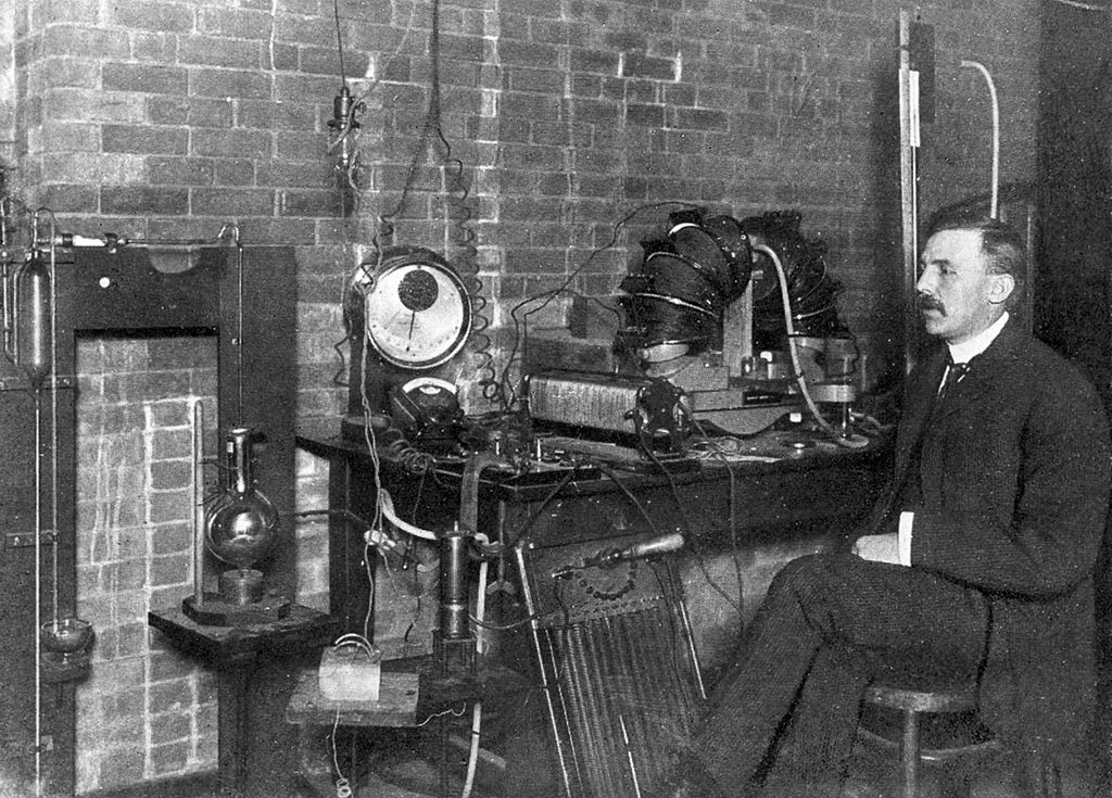aaa-Ernest_Rutherford_1905